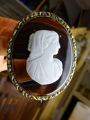 Antique Victorian Rolled? Gold & Banded Agate Large Cameo Brooch