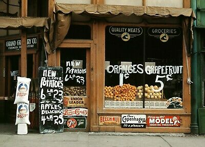 Grand Grocery Co. Store, LINCOLN, NE 1942 Vintage Photo Reprint