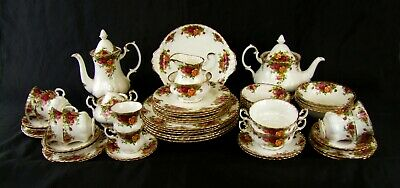 Royal Albert - Old Country Roses - Tea, Coffee and Dinnerware - Made in England.