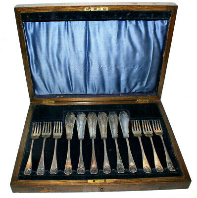 Gorgeous VICTORIAN SILVER PLATE FISH CUTLERY SET Barker Bros in WOOD BOX CASE