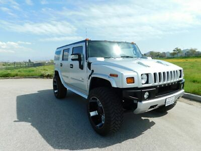 2009 Hummer H2 Luxury 2009 Hummer h2 Luxury. Limited edition silver ice metallic.