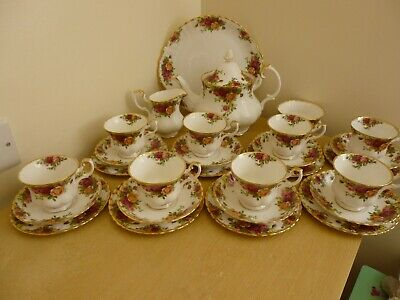 Royal Albert Old Country Roses Tea Set - vintage - 28 pieces