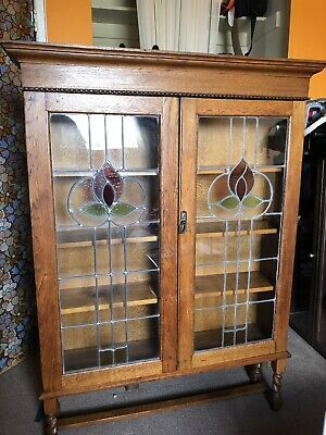 Antique 2 DOOR ENGLISH OAK BARLEY TWIST LEGS BOOKCASE W/ Leaded Glass Doors