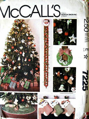 CHRISTMAS McCall 7225 PACKAGE Ornaments Stockings Advent Calendar 1980 Uncut