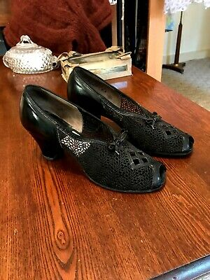 Vintage 1930's Flex Walker Black Open Weave Fabric/Leather Peep Toe Shoes