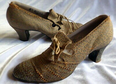 VINTAGE 1920s-1930s  LACE UP LEATHER SHOES Size 6 1/2