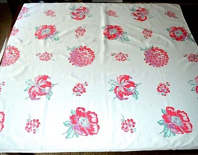VINTAGE 1940s TABLECLOTH RED WHITE FLORALS POPPY CHRYSANTHEMUM 44X46 INCH