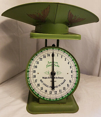 Vintage American Family Scale With Pan 25 Pounds Green Metal 1906 Model