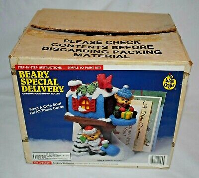 Wee Crafts  BEARY SPECIAL DELIVERY Christmas Card/Napkin Holder - Ready To Paint
