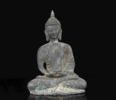 China Old Collectible Hand-Carved Bronze Spiritual Buddha Statue