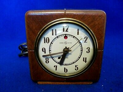 General Electric wood case electric alarm clock 7H140 works great! All Original