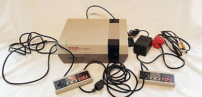 NES Nintendo Entertainment System Console -includes 2 x  Controller  GWO QQ