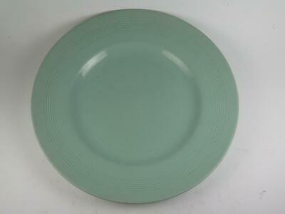 """VINTAGE REPLACEMENT CHINA Wood's Ware 10 Inch Dinner Plate (Green) """"Beryl"""" 1940s"""