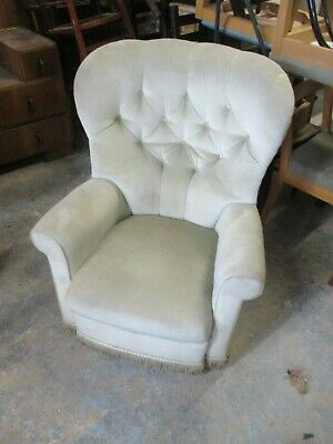Retro Button Back Rocking Armchair Padded Back Seat Castors May Deliver