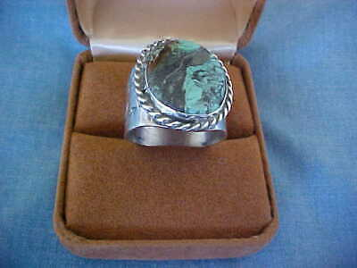 VINTAGE NAVAJO STERLING SILVER & TURQUOISE RING HAND MADE FROM NEW MEXICO 1970s
