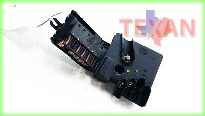 03 - 09 mercedes benz e350 relay block junction front power fuse box oem  t31806