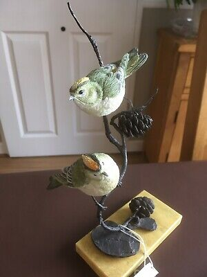 Country Artists Collectable Goldcrest Pair Of Birds On A Solid Bronze Branch