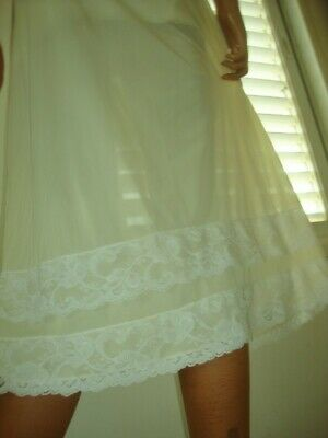 Vtg 1960s Lemon Silky Nylon Pretty White Double Lace Hem Half Slip Petticoat M