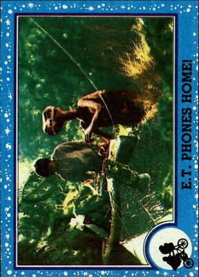 1982 ET Non-Sport Card #47 E.T. Phones Home