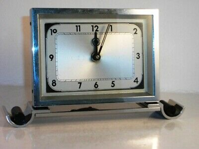 EXQUISITE SMALL VINTAGE ART DECO  CLOCK Circa 1925. FITTED KEY. WORKS PERFECTLY.