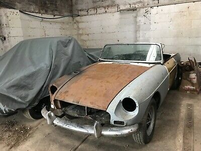 MG B Roadster 1972 Restoration Project Spares or Repair Barn Find Chrome Bumper