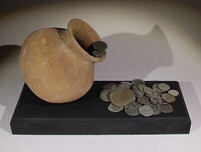 ROMAN POT & COIN HOARD DISPLAY - 2nd/3rd Century AD 099