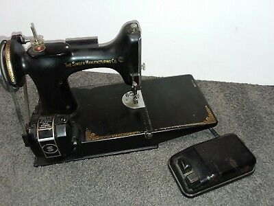 1940 Singer Featherweight Sewing Machine 221-1 Serial # AF576040 RUNS GREAT NR