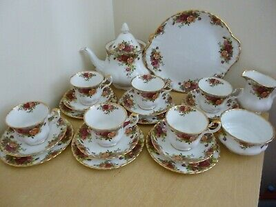 Royal Albert Old Country Roses Tea Set - vintage - 22 pieces