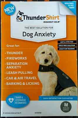 THUNDERSHIRT FOR DOG ANXIETY BEHAVIOR TRAINING GRAY SZ. M 26-40 lbs 4TH OF JULY!