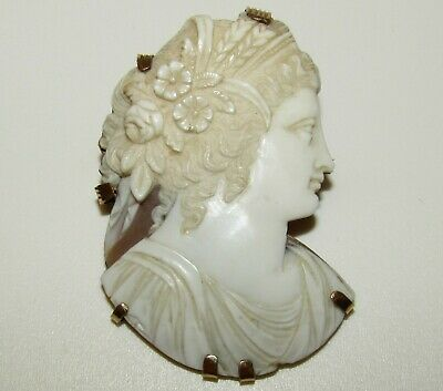 Large, Beautifully Carved, Victorian, 9 Ct Gold Cameo Brooch Depicting Flora