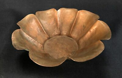 Early 20th C Arts & Crafts Hand Hammered Copper Bowl, 8 Lobes, Petal Lip No Mark