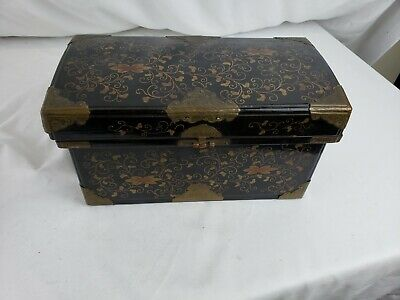 Superb antique chinese lacquered box, black and gild, brass hardware, ca. 1920