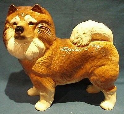 """A """"Coopercraft"""" England """"Chow Chow"""" Dog Figurine With Label In Good Condition."""