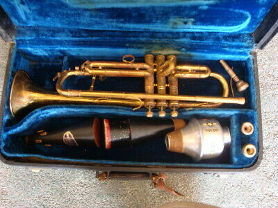 Vintage H.E. Elkhart 24456 Brass TRUMPET With 3 Mouthpieces 3 Mutes & Hard Case