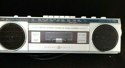 Vintage GE General Electric 3-5283A Stereo Cassette Boombox Ghettoblaster + tape