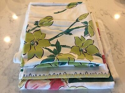 3 Colorful Vintage 1940s 50s Tablecloths Floral - Crafts Cutters