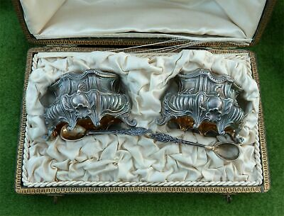 CASED SET OF 2 FRENCH SILVER OPEN SALTS, LINERS & SPOONS FROM c1900 - 1.71 ozt