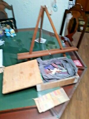 """Vintage 2 1/2 Pounds Of Good Used Artist Chalk And 20"""" Wood Easel"""