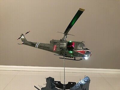 1:18 Ultimate Soldier Huey Helicopter