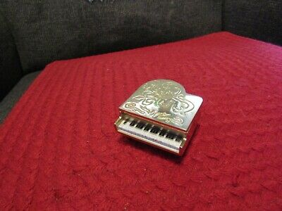 Cute working Elgin grand piano shaped table/desk clock.
