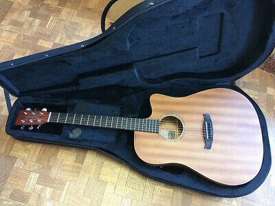 Good,Very Nice Acoustic Guitar, New Case, Tuner &  Capo As Shown Rrp About  £290