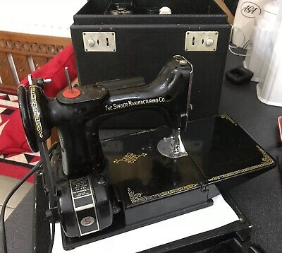 Vintage Singer Travel Featherweight Sewing Machine Model  221k1 Working Order