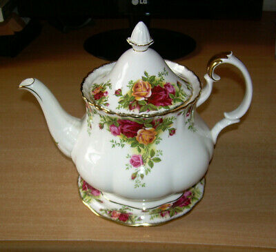 Royal Albert Old Country Roses Large Tea pot & stand. 1st 7.5  inch