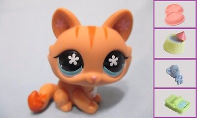 Hasbro Littlest Pet Shop Cat Crouching 649 and Free Accessory Authentic LPS