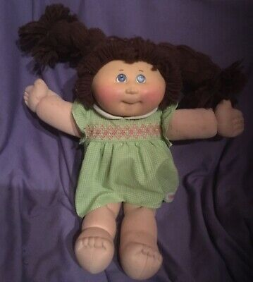 Brown Wool , Haired  Cabbage  Patch Doll In Cpk Dress  #B77-5 )
