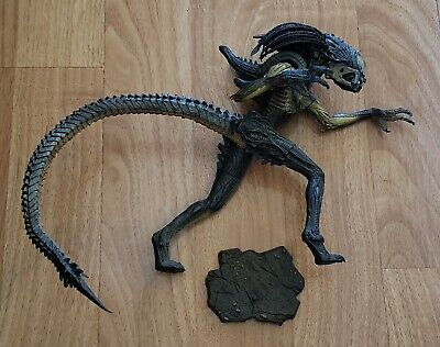 Neca Alien Hybrid Predalien Aliens Vs Predator Requiem Closed Mouth Ver. Figure