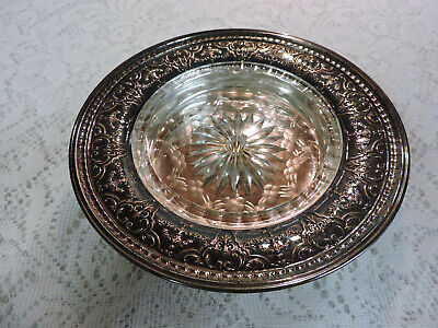 Meriden / International Silver Plate Co. Dish w/ Etched Glass Insert  # 3801