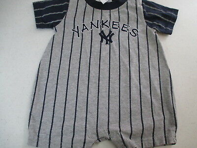 Baby Boy One Piece New York Yankees Outfit Size 6-9 Mos