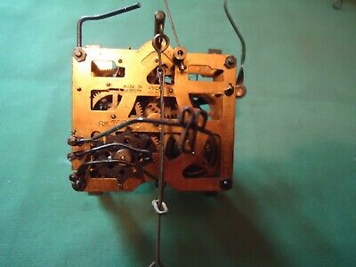Vintage Regula SCHMECKENBECHER 25 Cuckoo Clock Movement for parts or repair 1c