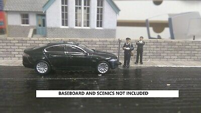 oxford diecast 1:76 black jag (GETTING A TICKET) scenic set (car +figures)